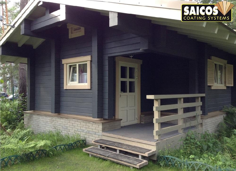 Дом покрыт защитной цветной лазурью Holzlasur цвета антрацит (0092)
