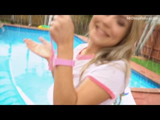 Chloe Moretz gets her pussy destroyed by her bodyguards big dick by the pool