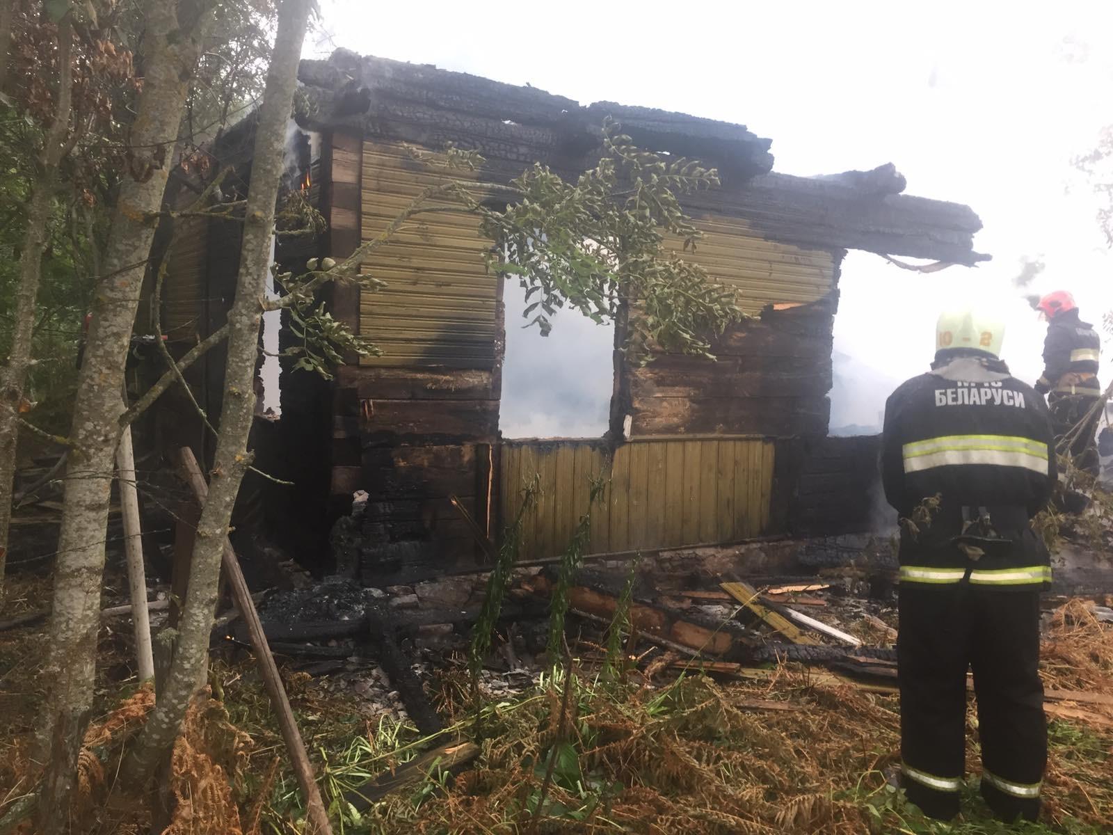 Вчера вечером в Лидском районе произошло два пожара.