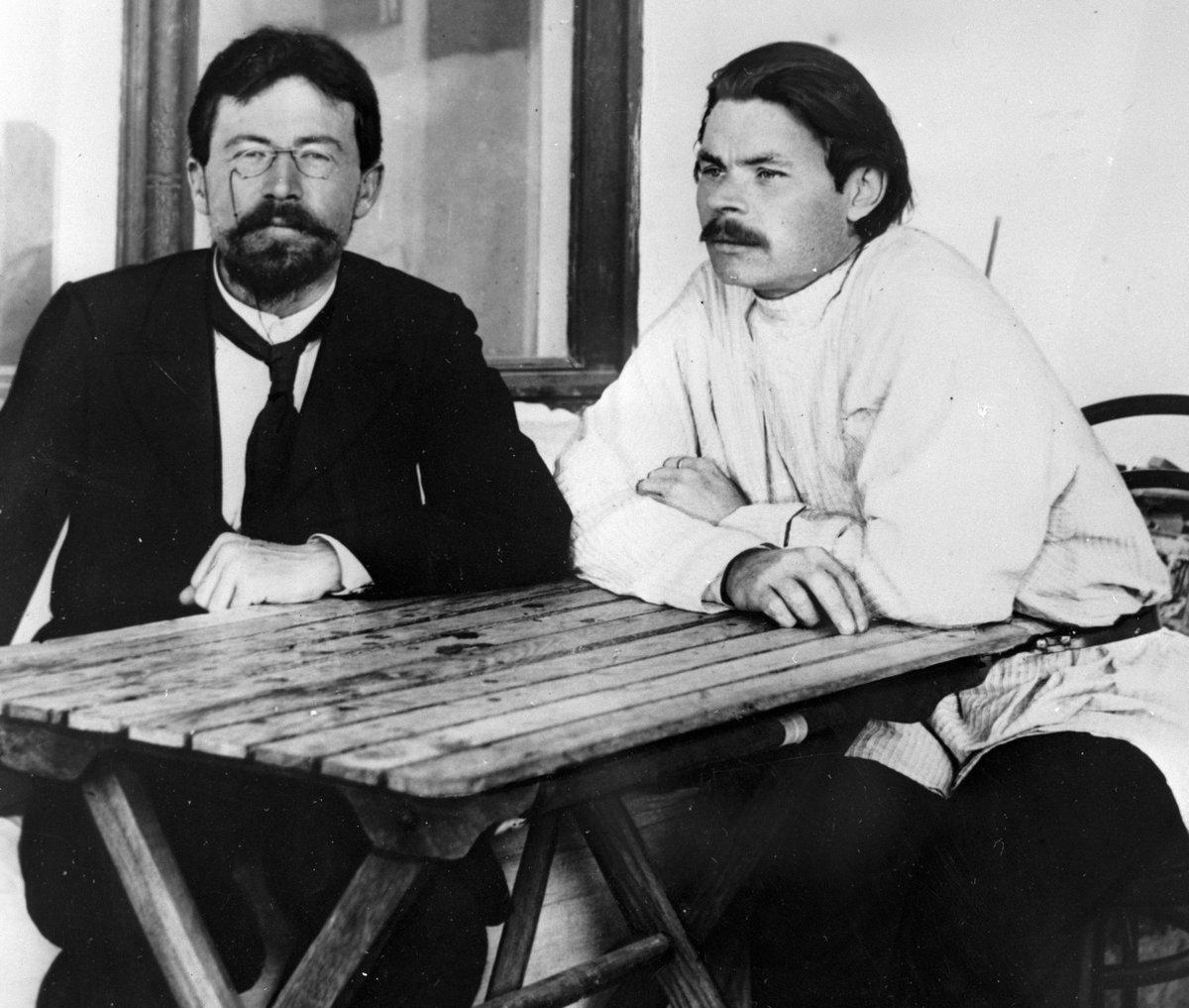 Горький познакомился с Чеховым в 1899 году в Ялте