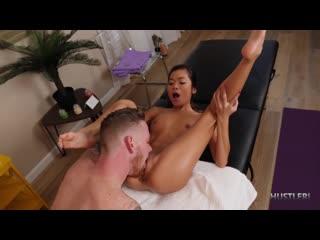 [Hustler] Vina Sky - Deepthroat Massage