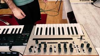 Korg Monologue as Roland TB 303 Bassline [Acid]