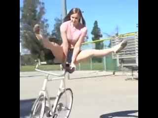 Я бы уже 100 раз упала!