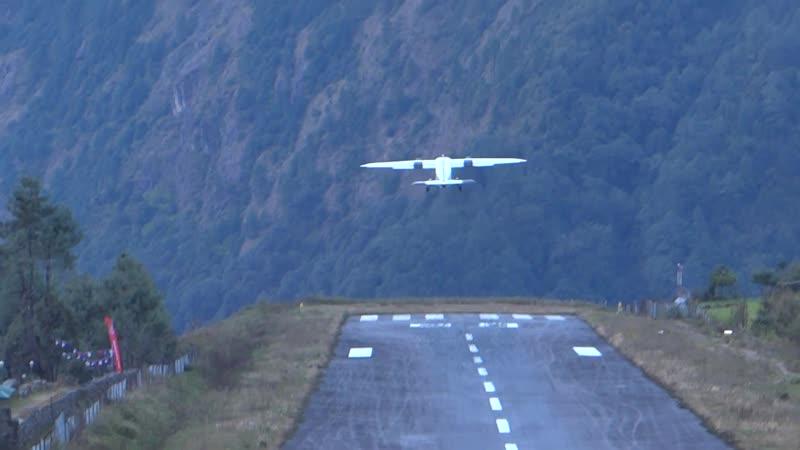 Непал Аэропорт Лукла Высота над уровнем моря 2805 метров Красиво…