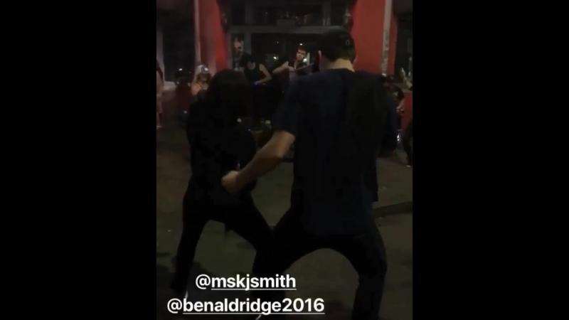 Бен Элдридж и Кей Джей Смит зажигают на улицах Нового Орлеана