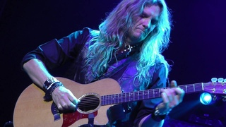 Whitesnake 6/21/16: 8 - Joel Hoekstra Guitar Solo - Monclair, NJ