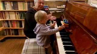 Урок музыки с игрушками. Ярослава. Возраст 1 год 6 месяцев.