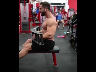 Бомбим мышцы спины