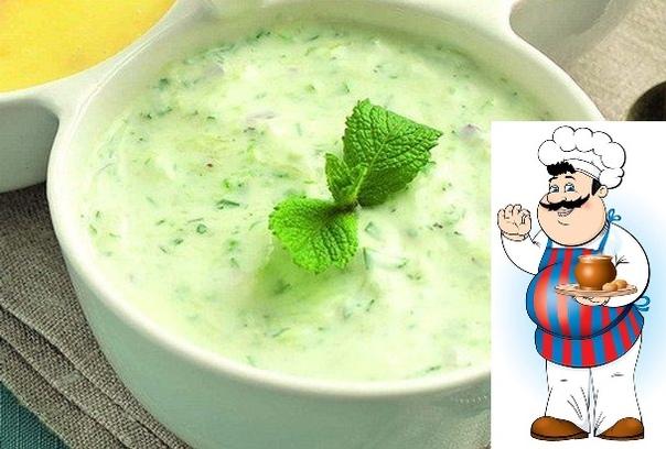 ПП-замена майонезу: огуречный соус Огуречный соус - настоящая находка! Заправляйте им салаты, подавайте к курице или мясу, или используйте как дополнение к свежим овощам для вечернего перекуса.