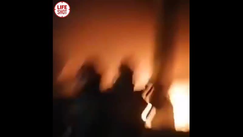 Мощный взрыв на топливном складе в Бейруте трое погибших Предварительно ещё 50 человек пострадали сильная ударная волна вы