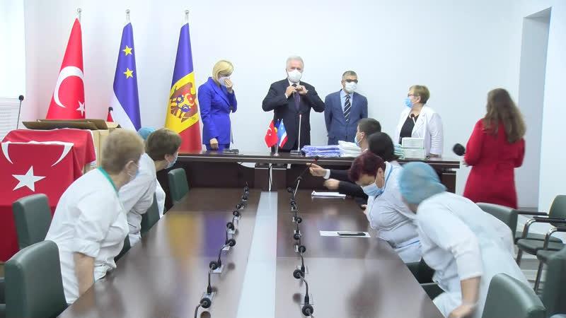 LIVE Посол Турции дарит защитные средства больницам Гагаузии