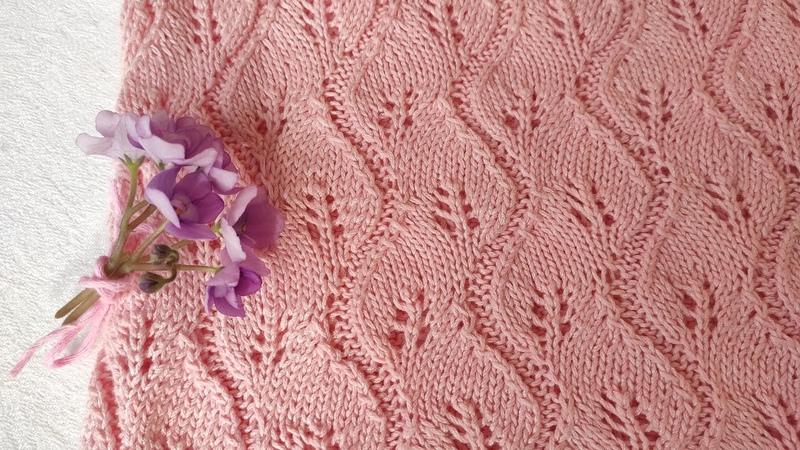 Ажурный узор спицами ЛИСТОЧКИ для вязания маек топов шалей платков палантинов кардиганов