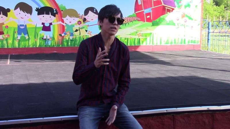 Димаш Кудайберген спел для детей из SOS детские деревни