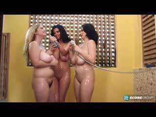 Codi Vore, Sha Rizel & Alexya Sexy - Shower Time