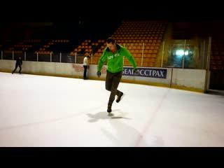 Freestyle ice skating (освоение новых элементов).