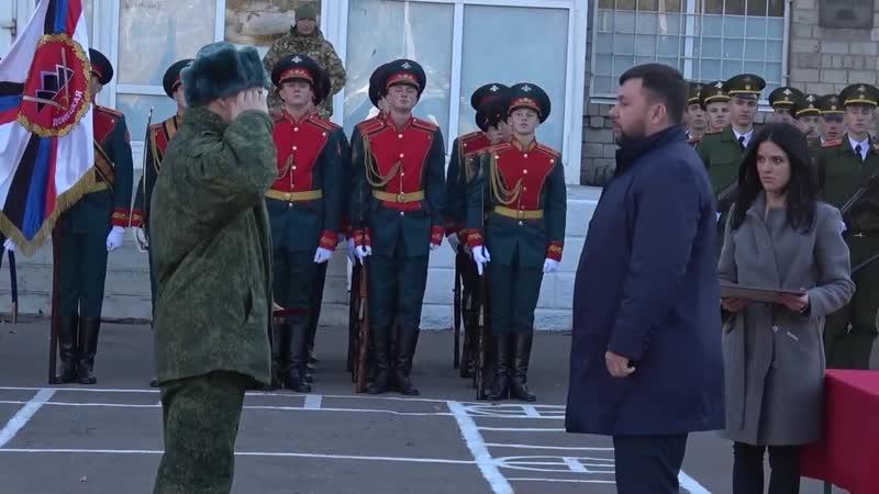 Денис Пушилин открыл мемориальную доску первому Главе ДНР Александру Захарченко.
