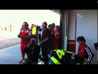 Valentino Rossi meets the Ducati Desmosedici GP11 6