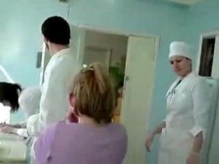 русским девушкам ставят уколы в видео в онлайн запугивание