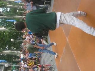 Bbboy Adrenaline Рифмэйк VS Bboy Сантехник Брэйк данс баттл г Днепропетровск у кинотеатра РОДИНА 26 Июня 2010 год