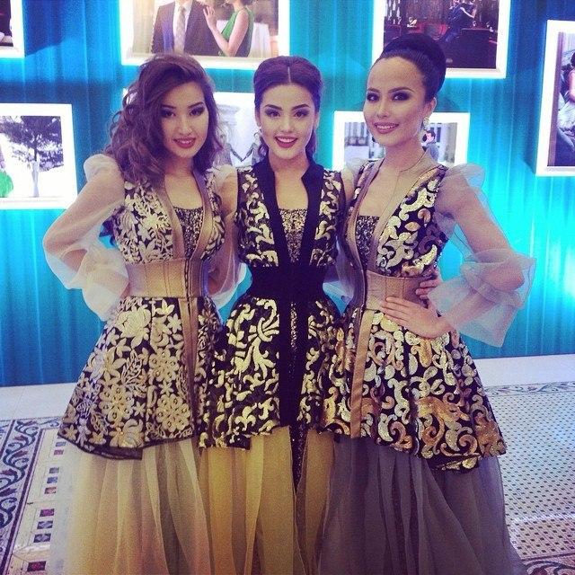 Казахстанские звездные концертные платья фото