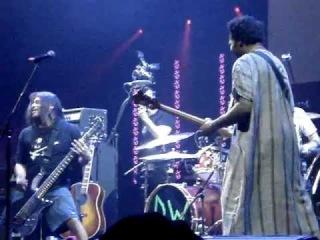 Trujillo сыграл с барабанщиком BAD RELIGION в 'Drum Off Grand Finals'