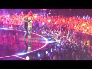 """Eminem """"Rap God"""" Live in Amsterdam"""