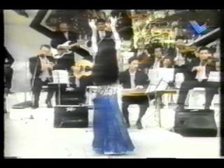 Famous Lebanese Oriental dancer Amani, Zay el Hawa & Tabla Solo