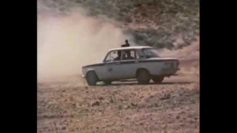Кодекс молчания 1989 4 серия car chase scene