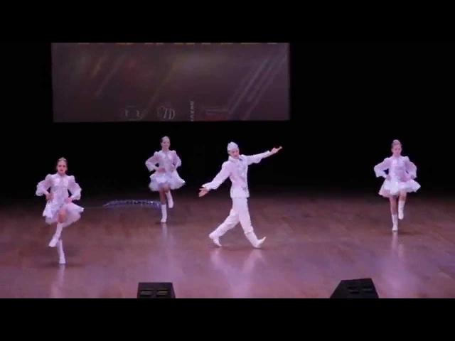 коллектив Веселые капельки танец Три белых коня Тула. (Таланты 2014)
