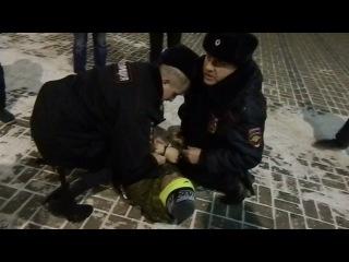 В Красноярске полицейские задержали активистов против курения