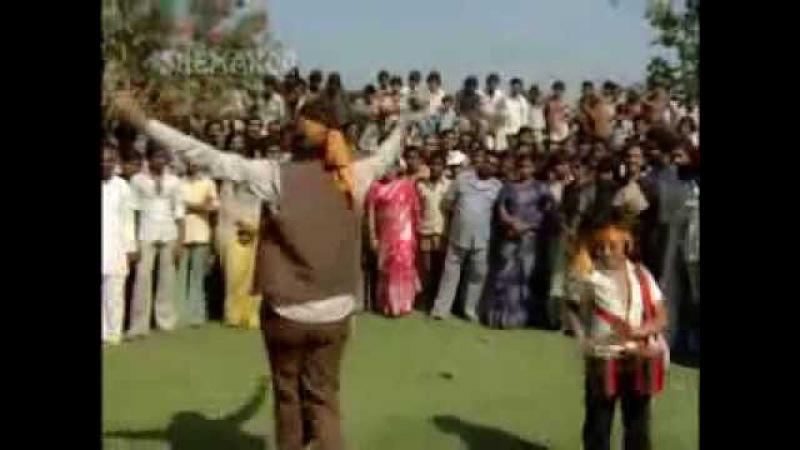 Goro Ki Na Kaalo Ki, Rajesh Khanna, Mithun, Kim Suresh Wadkar,Usha Mangeshkar] Disco Dancer HQ