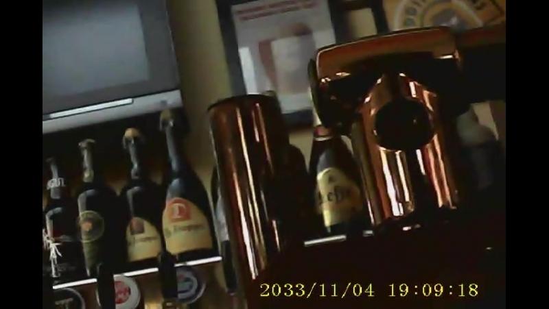 Как в пивнушке я поднял вопрос о размещении на бутылках пива имени трижды Героя СССР Александра Ивановича Покрышкина