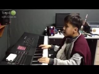 Лудуб Очиров - слепой мальчик из Бурятии, певец, композитор, аранжировщик.