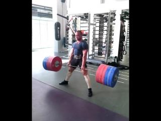 Аркадий Шалоха тянет 290 кг на 2 раза