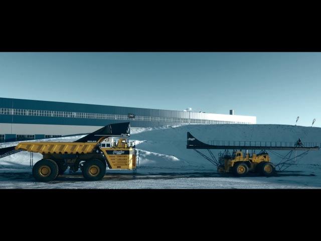 Новый рекорд в мире FMX прыжок на самый большой в мире движущийся грузовик БелАЗ