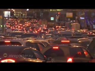 Предновогодний автомобильный трафик привел к заторам на Садовом кольце