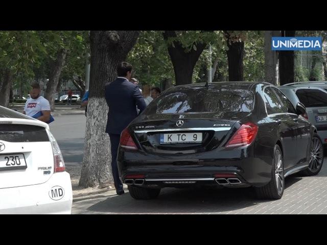 Deputatul Constantin Țuțu a fost surprins cum se deplasează cu mașina pe trotuar