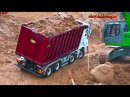 AMAZING R/C TRUCK ACTION - will it drop down AT CONSTRUCTION WORLD - Nov 2017 p4