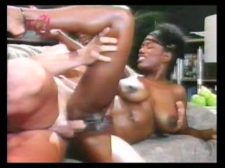The washington affairs сексуальная негритянка с большой натуральной грудью black tits ass afro ebony ayes