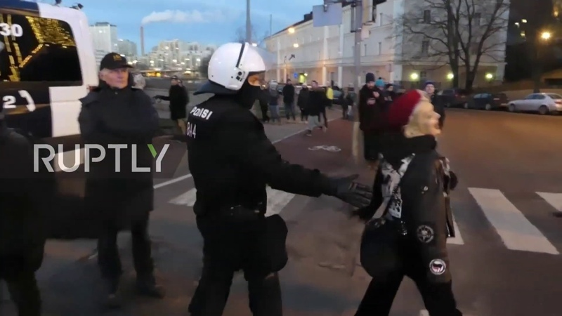 Finland: Neo-Nazis and anti-fascists clash on Independence Day in Helsinki