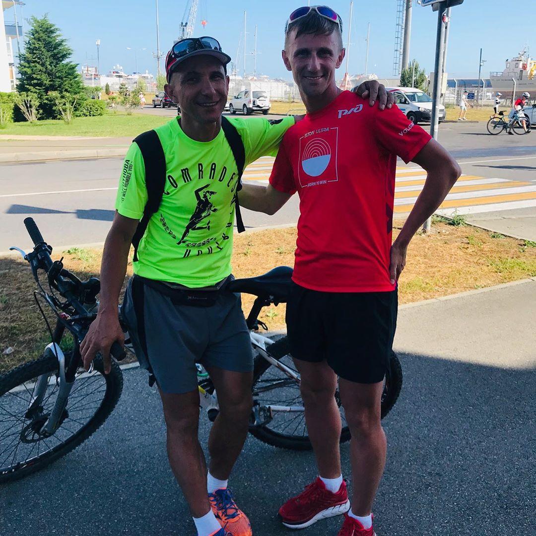 Геннадий со своим тренером - Олегом Харитоновым.