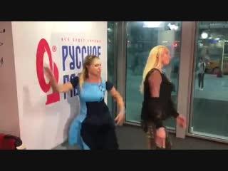 Алла Довлатова станцевала с Анастасией Волочковой