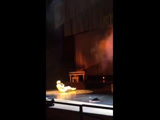 Tyler, the creator упал на концерте