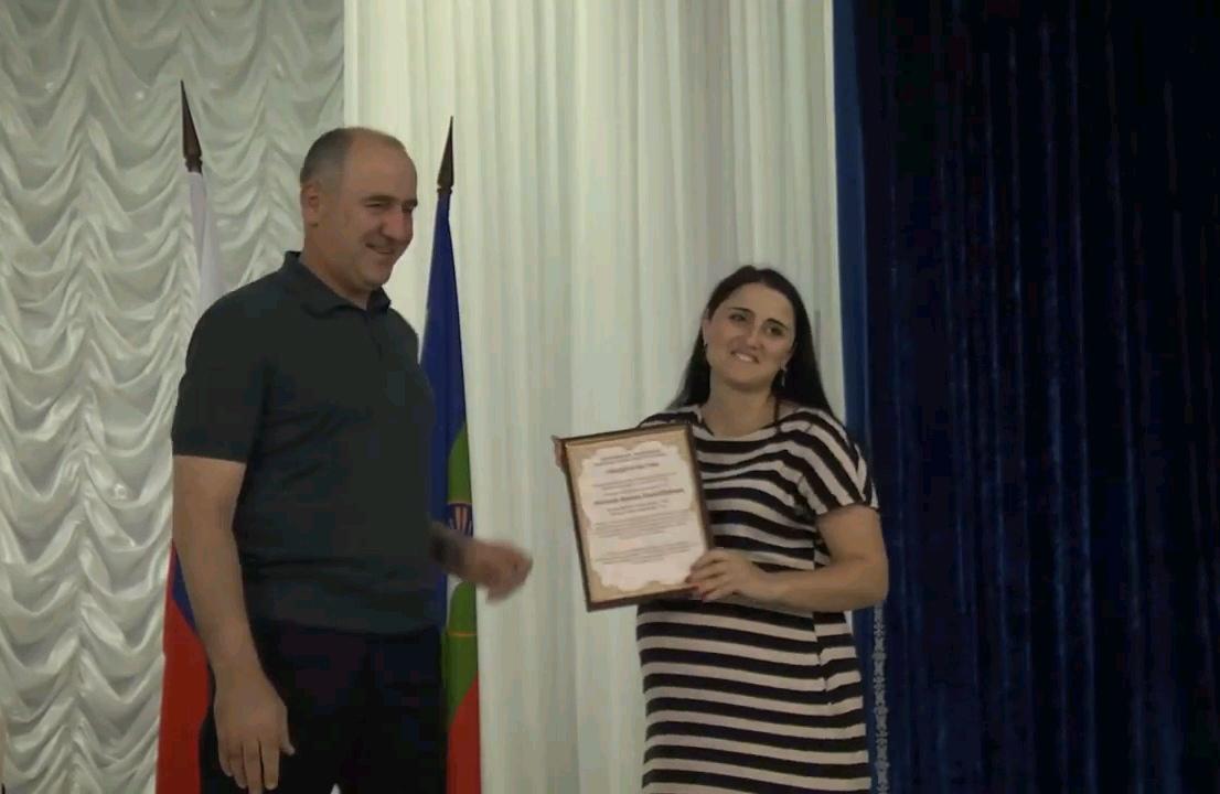 В Зеленчукском районе пять семей получили сертификаты на улучшение жилищных условий