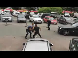 СРОЧНЫЕ НОВОСТИ! Водитель избил пешехода