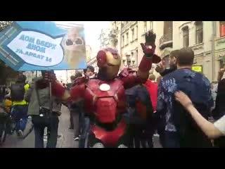 Железный Человек на митинге в Москве Рифмы и Панчи