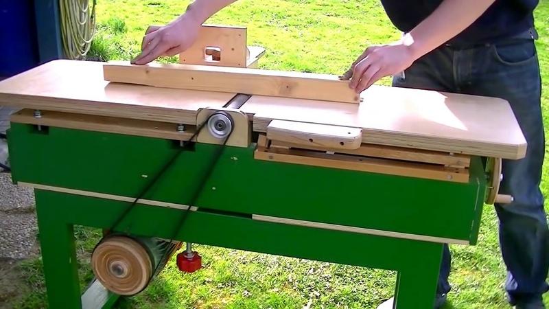 Turning a Pulley for the Big Jointer Drechseln einer Riemenscheibe für die Abrichte