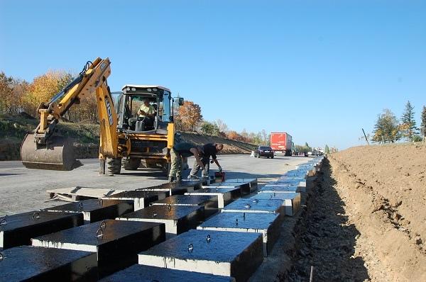 Под Таганрогом рядом с музейным комплексом «Самбекские высоты» ведется реконструкция дороги