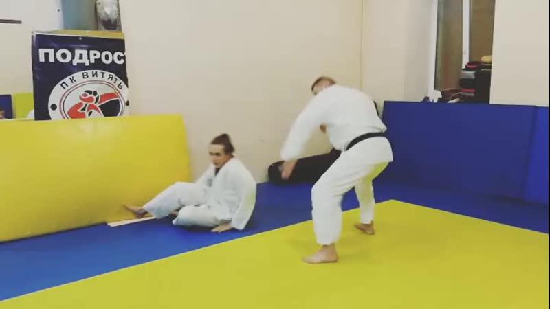 Aikido nodo tsuki