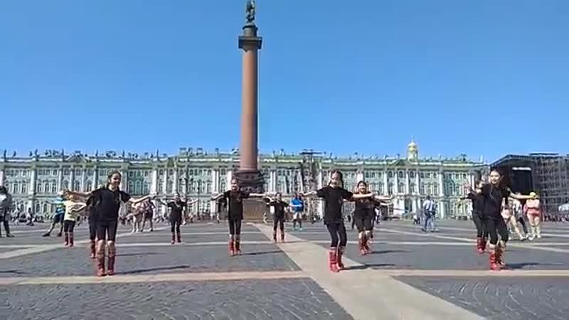 Гафурийские дети выступили на дворцовой площади Санкт Петербурга